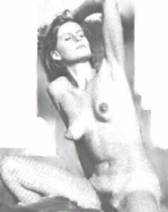 Linda McCartney nude.jpg